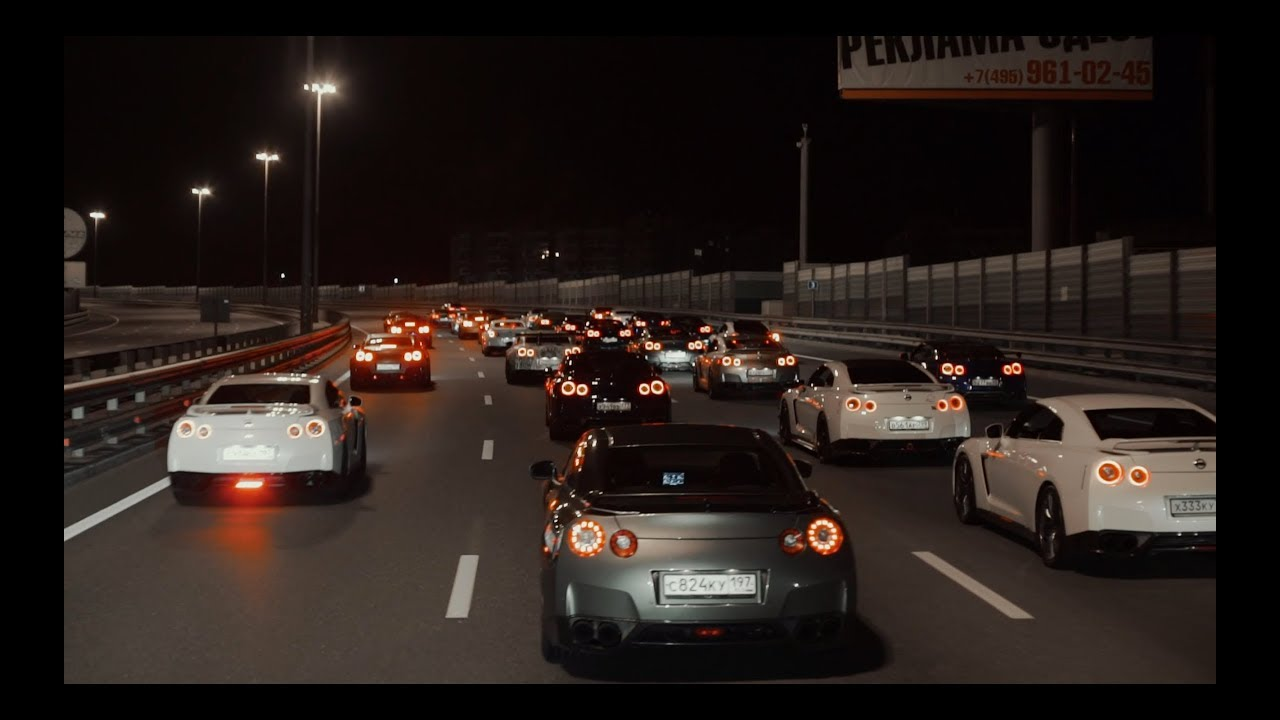 40 Nissan GT-Rs in Moscow. Godzillas meeting.