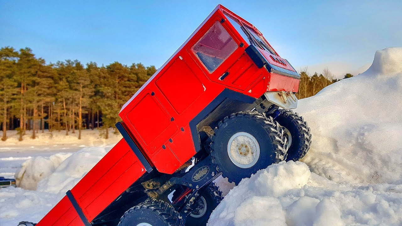 RC Cars Stuck in Snow Challenge Adventures MAN KAT 6x6, Axial SCX10 Ford Bronco 4x4, Defender PickUp