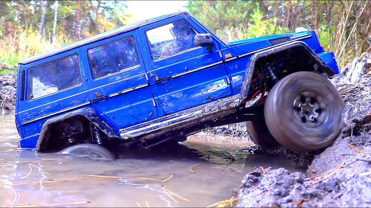 RC Cars MUD OFF Road — Mercedes Unimog VS Mercedes G500 Gelenvagen — Traxxas TRX4 VS MST CFX-W